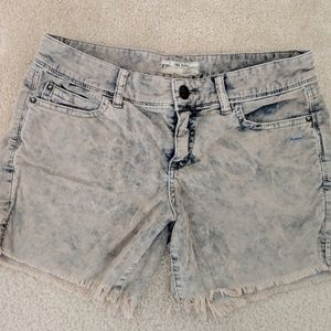 Free People cutoff shorts size 26